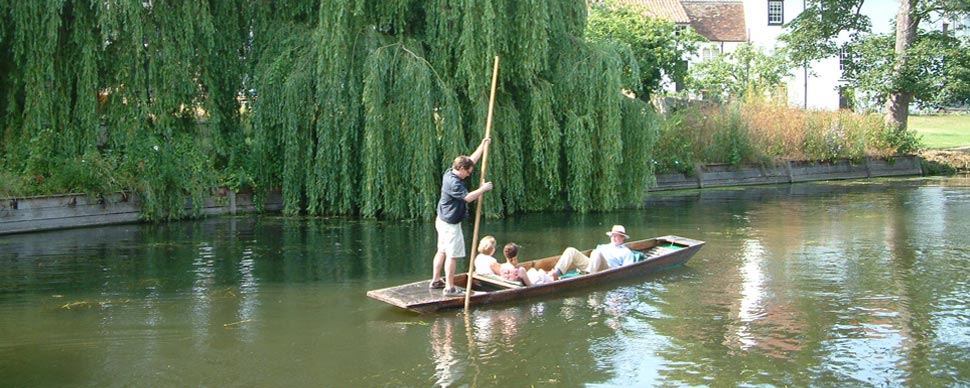 romantic boating trip for couples in Cambridge